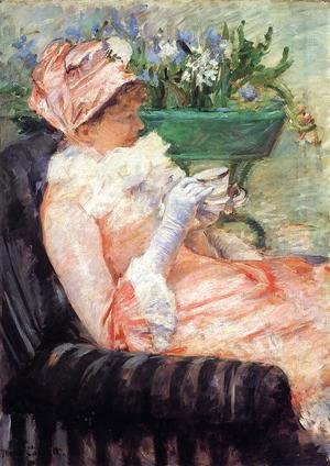 Mary Cassatt - The Cup Of Tea2